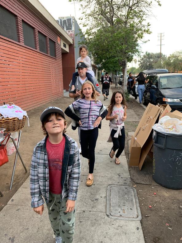 kids arriving